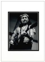 Willie Nelson Autograph Signed Photo